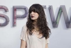 Cabelo longo e ondulado na São Paulo Fashion Week