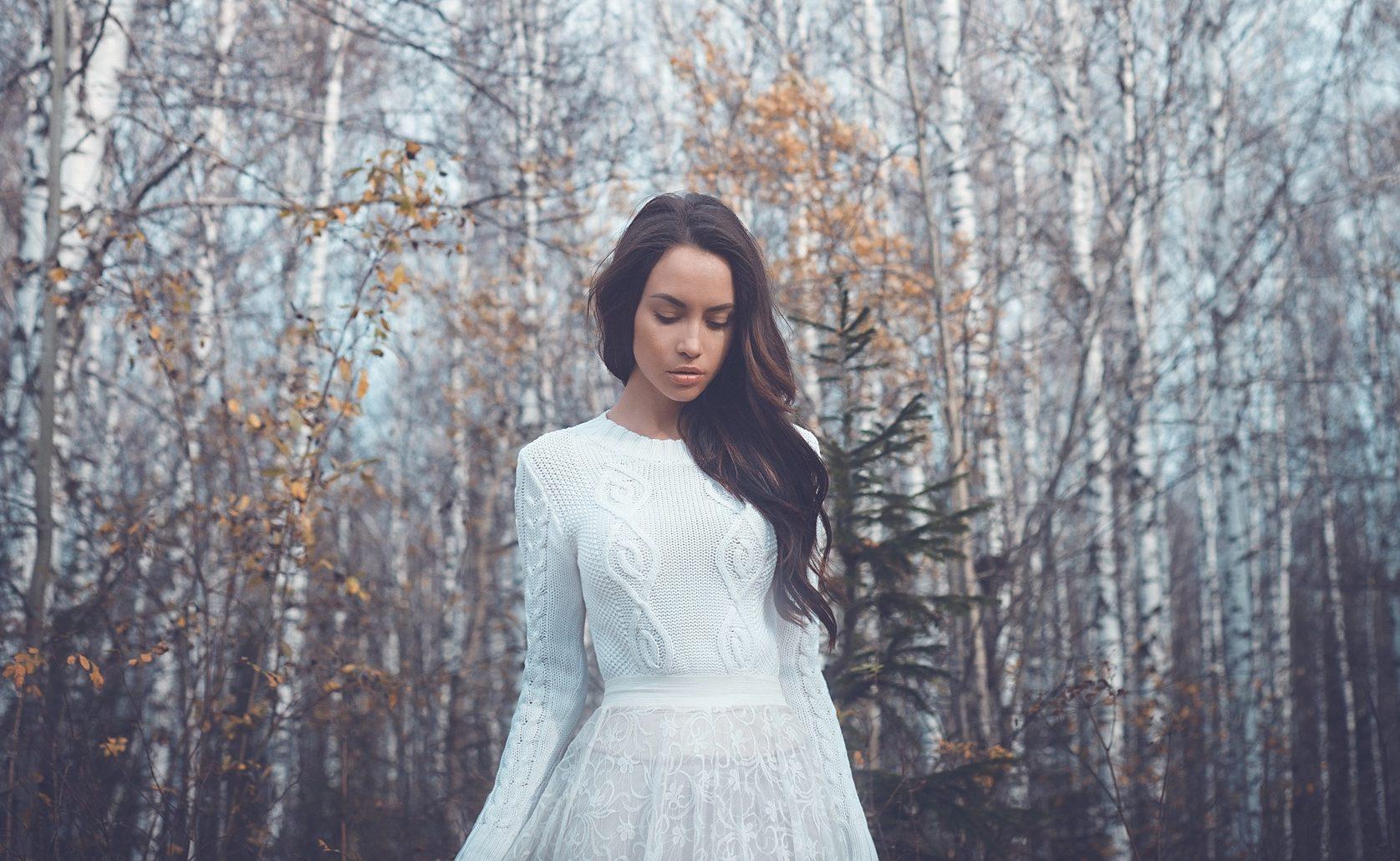 modelo usando um dos penteados de noiva 2017