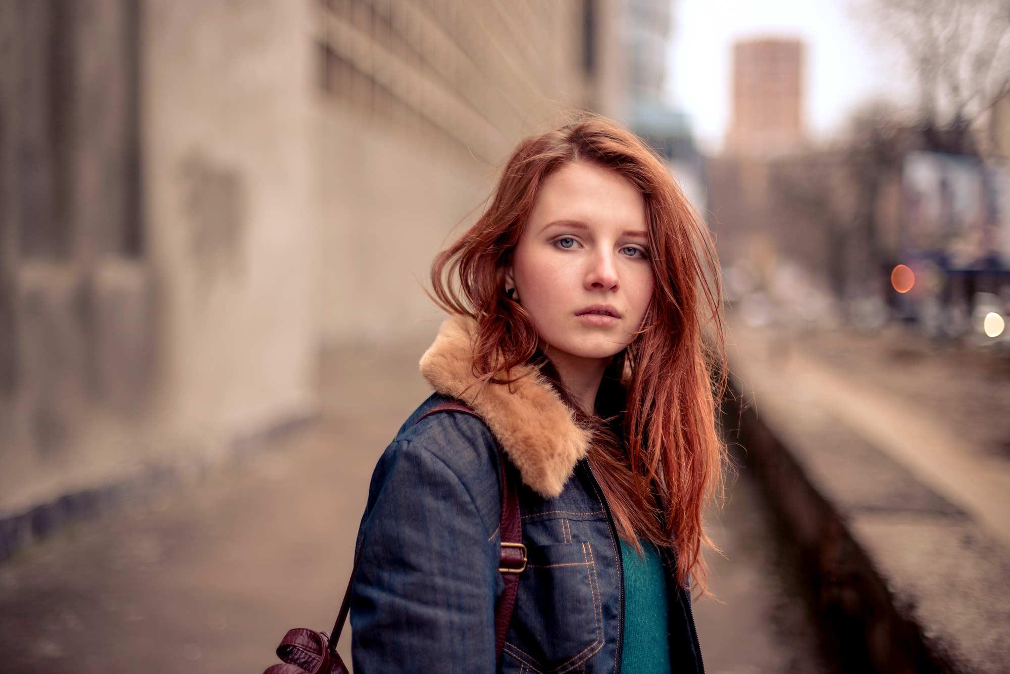 modelo usando um dos cabelos ruivos 2017