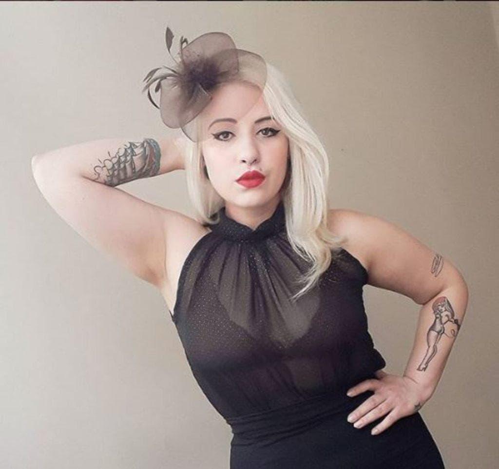 modelo de cabelo de pin-up no Instagram