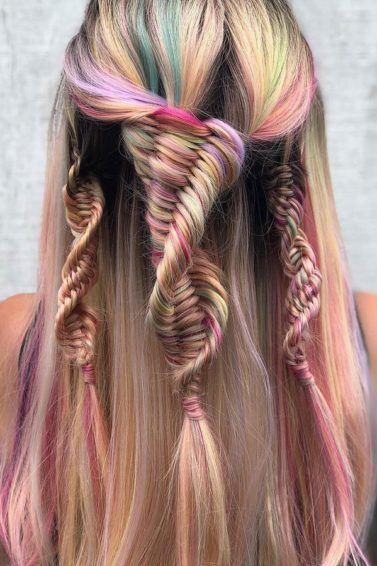 cabelo liso arco-iris com trançasDNA