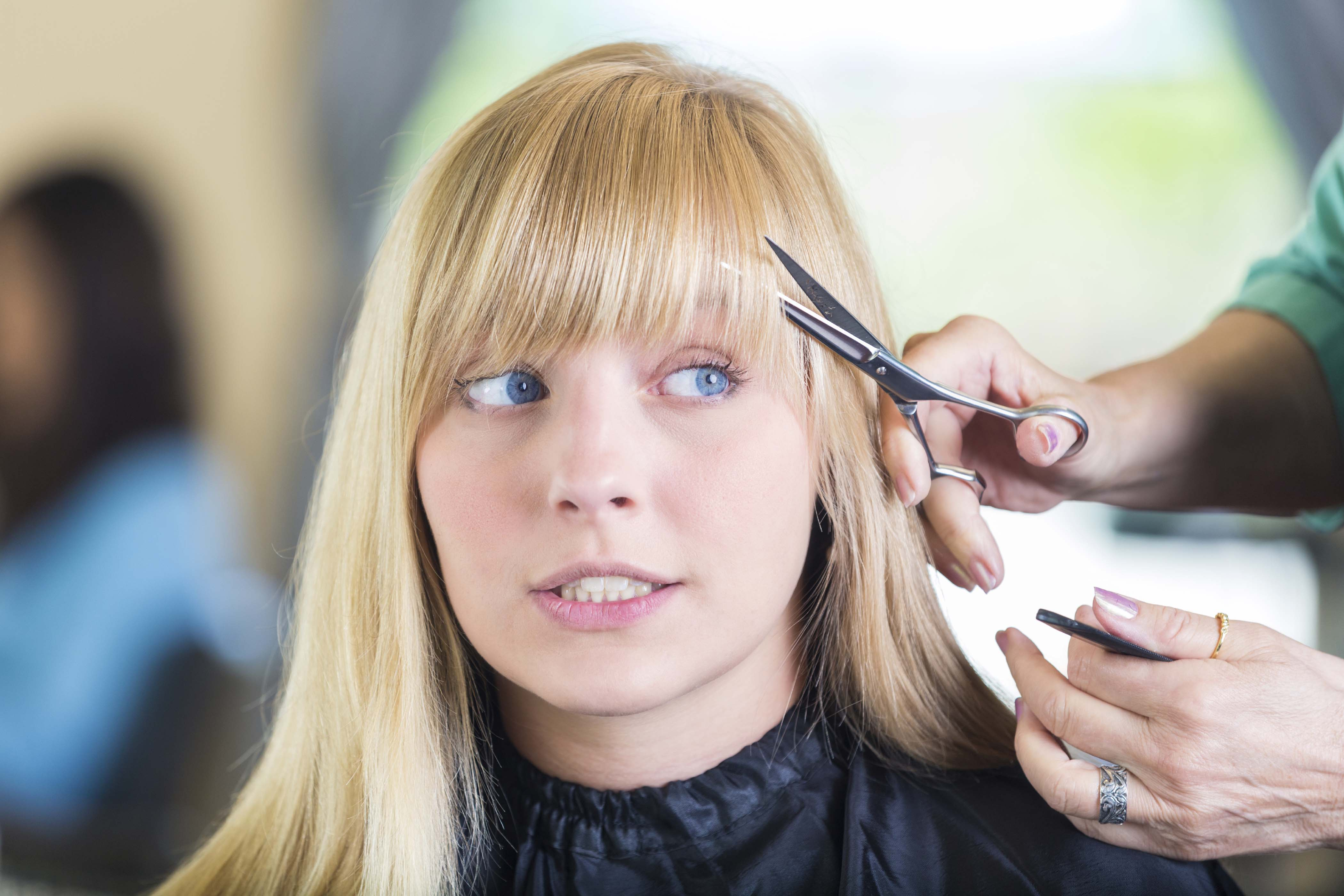 how to thin hair with thinning scissors: insider advice