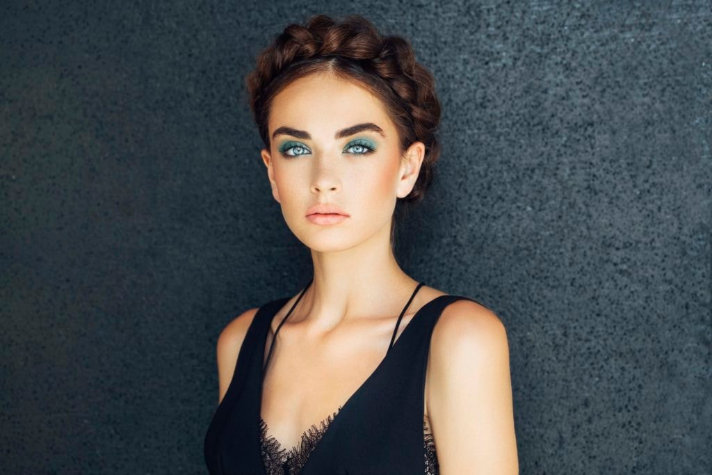 9 Glamorous Prom Hairstyles for Long Hair