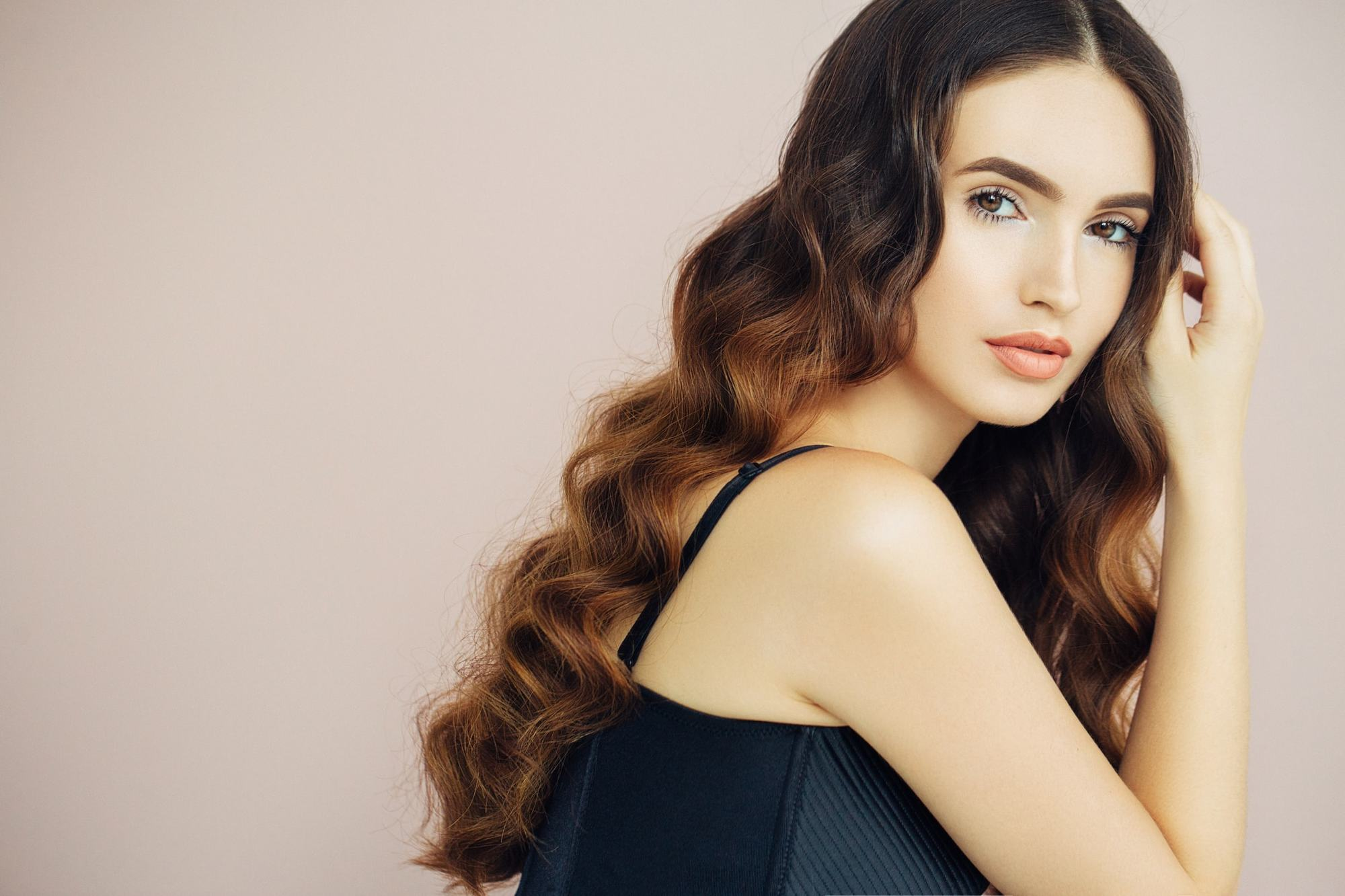 evening hairstyles brushed long curls