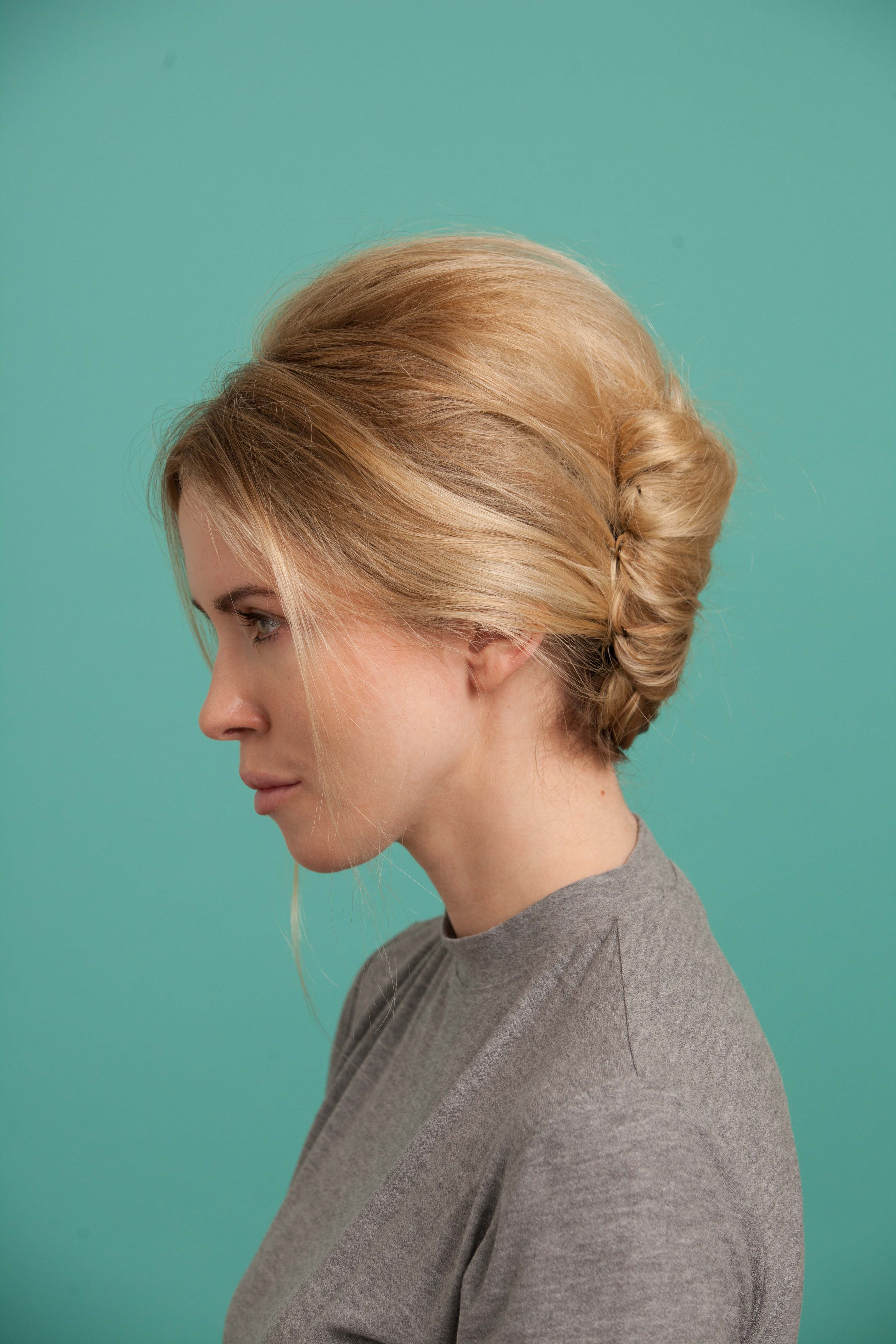 French Twist How To Create This Modern Hairstyle