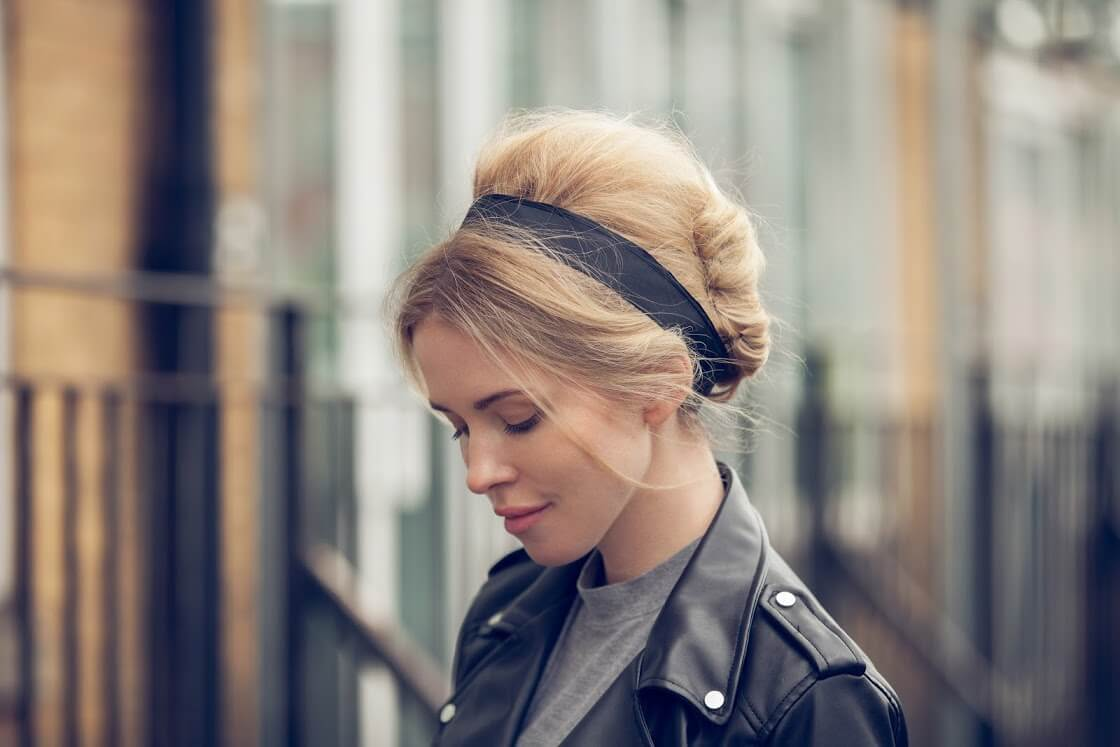 Tutorial How To Make 60s Hairstyles With A Chic Bun