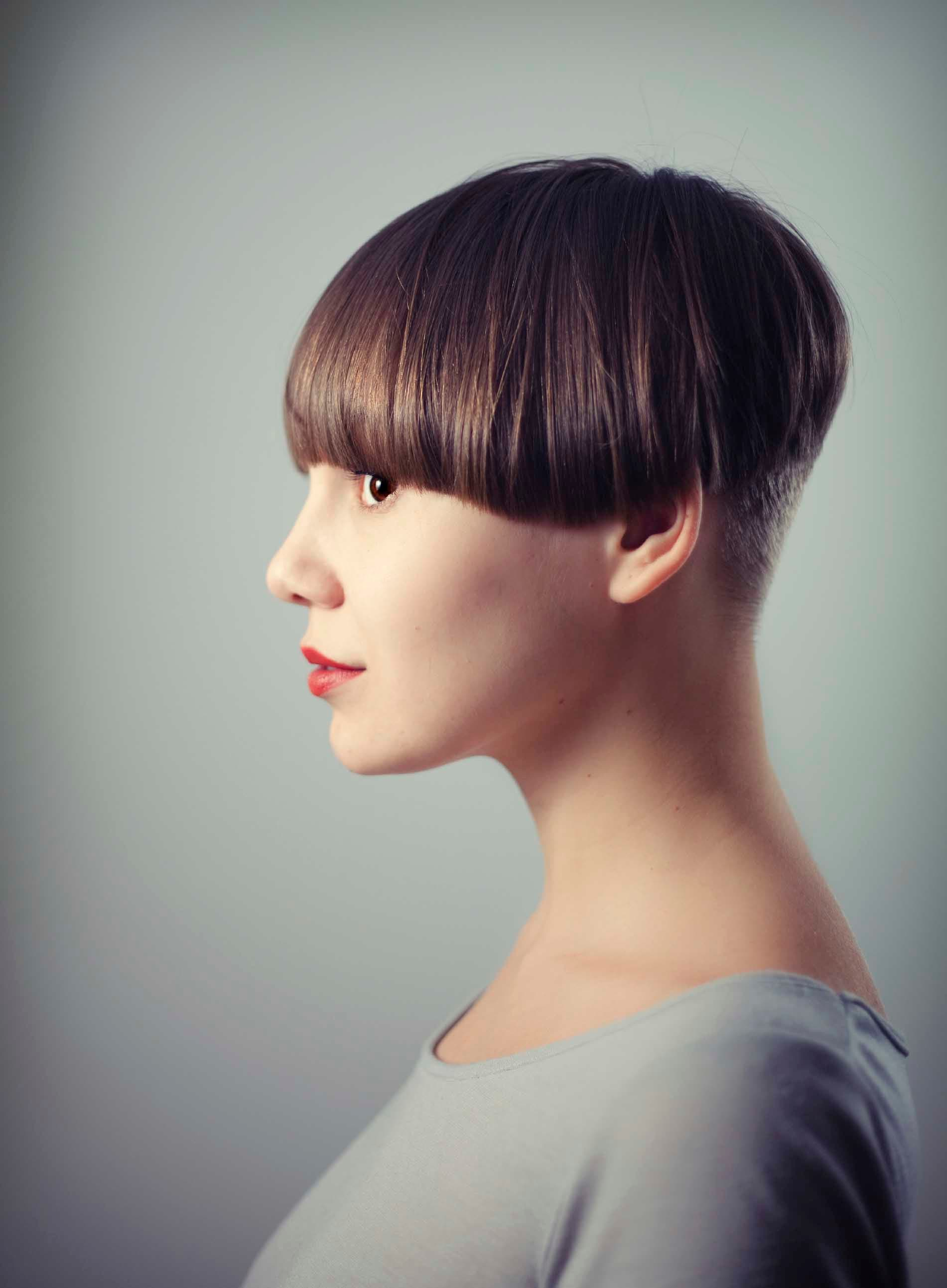 Short Haircuts for Oval Faces shaven hair