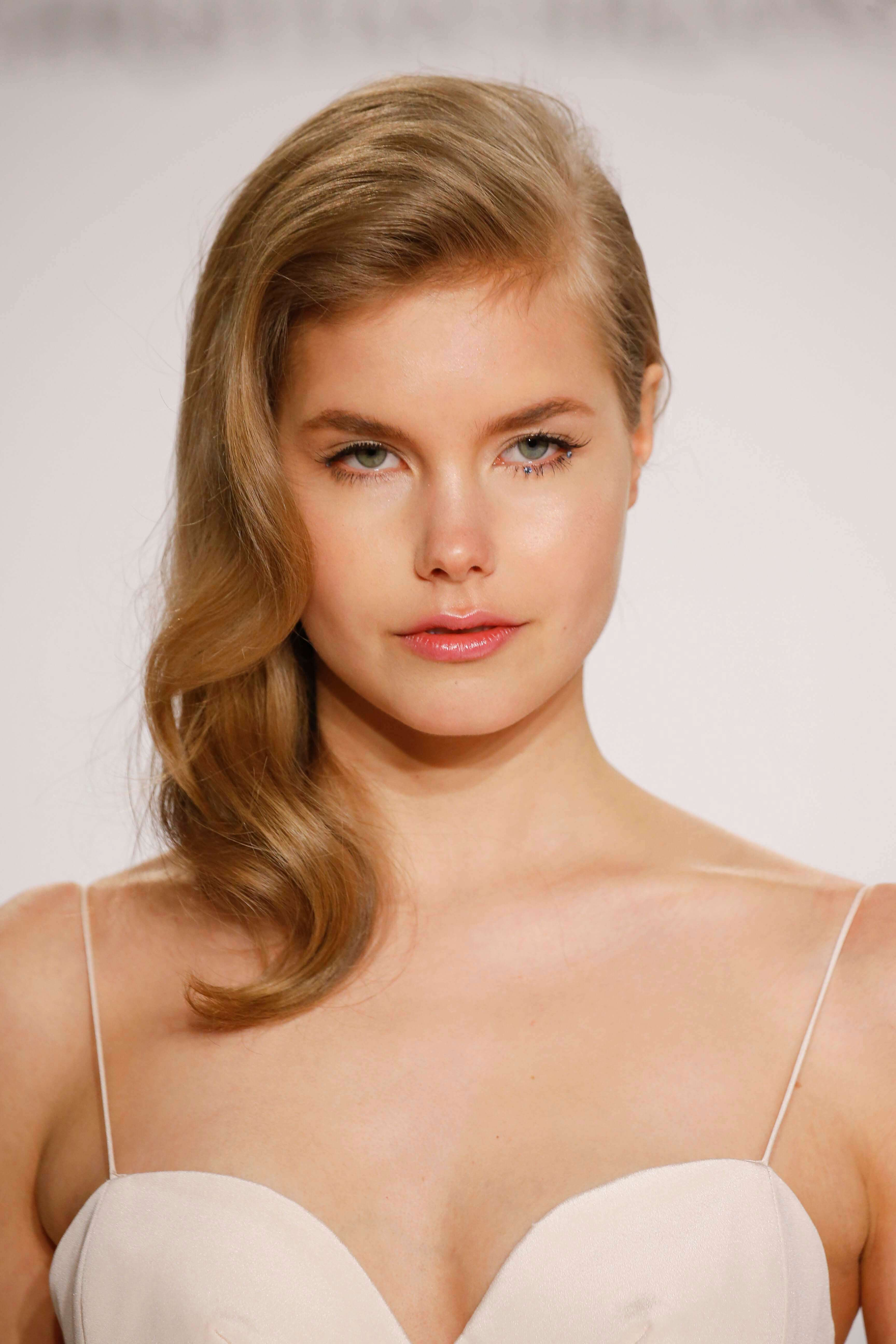 graduation hairstyles old hollywood waves