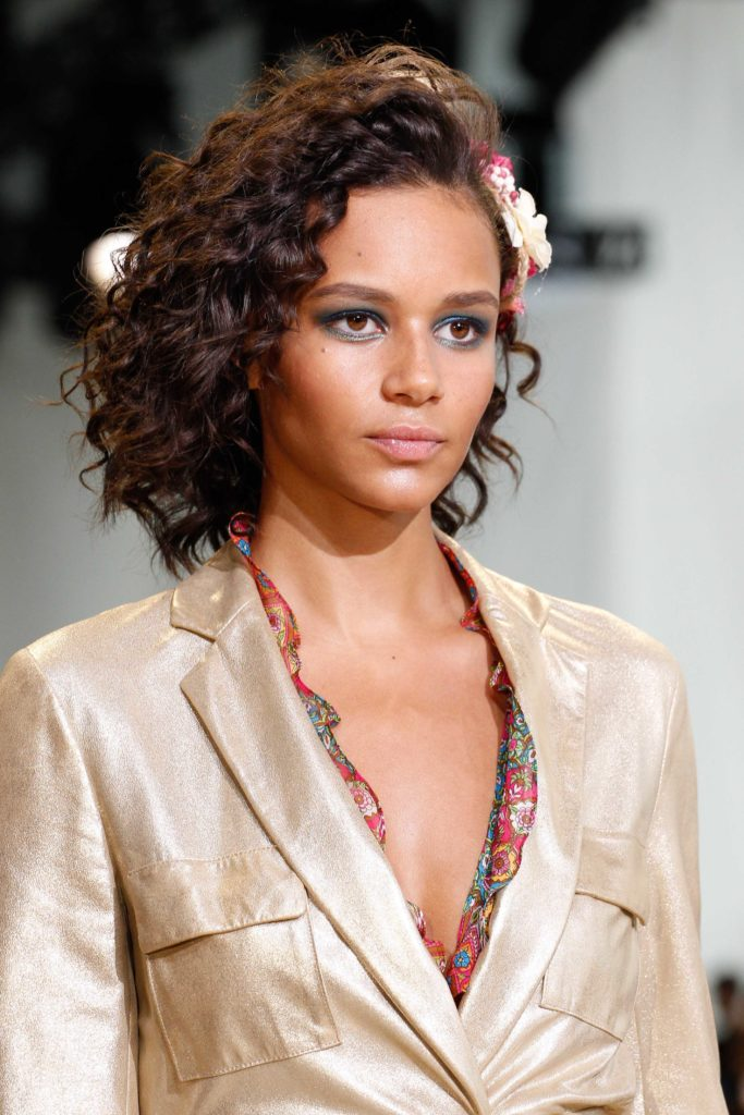curly hair textures tightly coiled bob