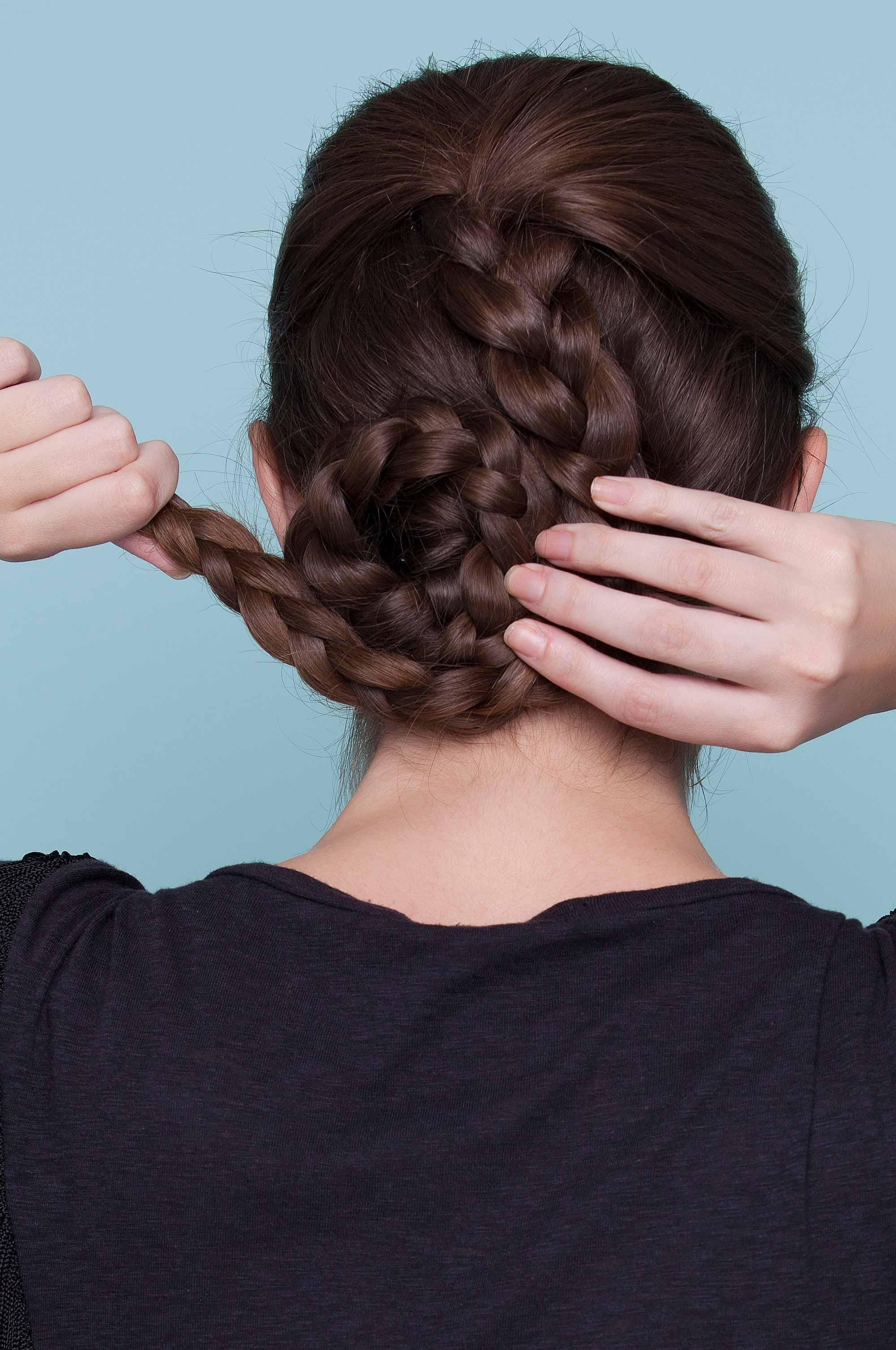Double Braid Chignon: How to Master this Elegant Hairstyle Idea