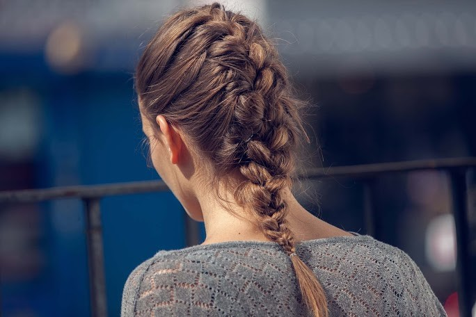 how to do a french braid on long light brown hair