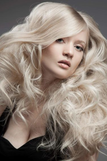 how to style curly hair blonde hair