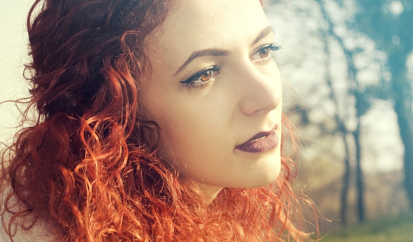 red ombre hair: beach waves