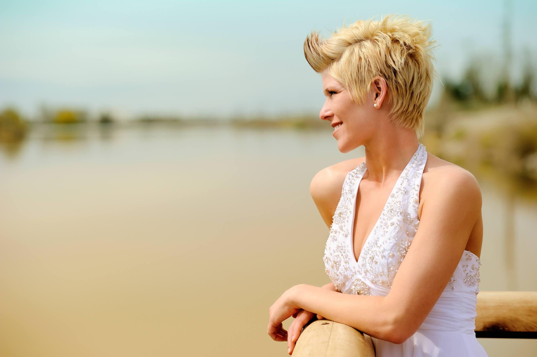 wedding hairstyles for short hair spiky hair