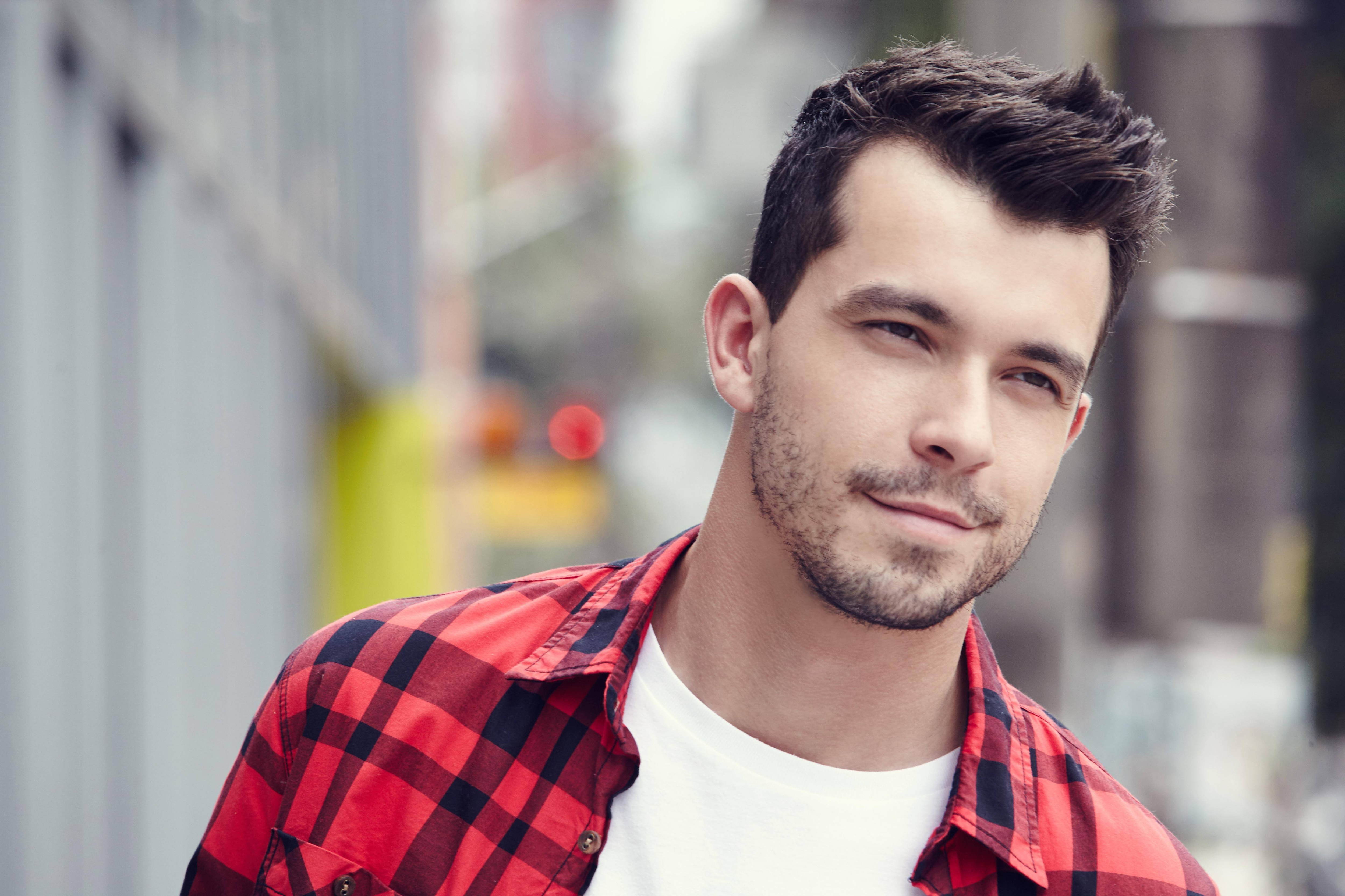 short hairstyles for men casual bedhead