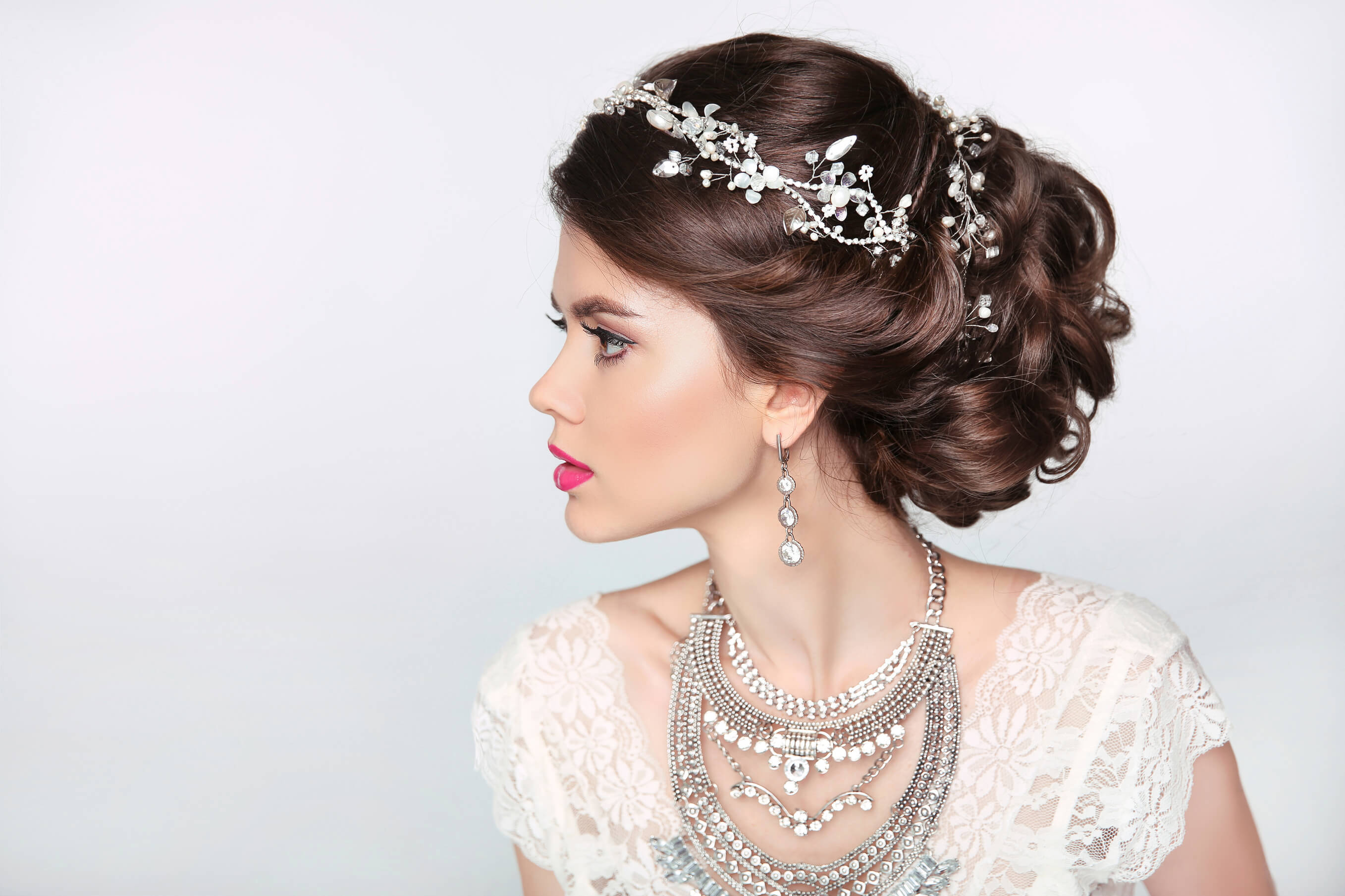bridal headband ideas 5 looks to try for your wedding. Black Bedroom Furniture Sets. Home Design Ideas