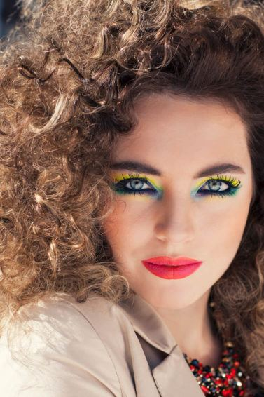 1980s-inspired Halloween hairstyles: bigger and better curls