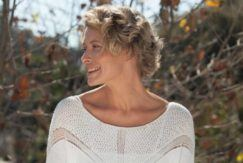 short haircuts for women over 40 blonde curls