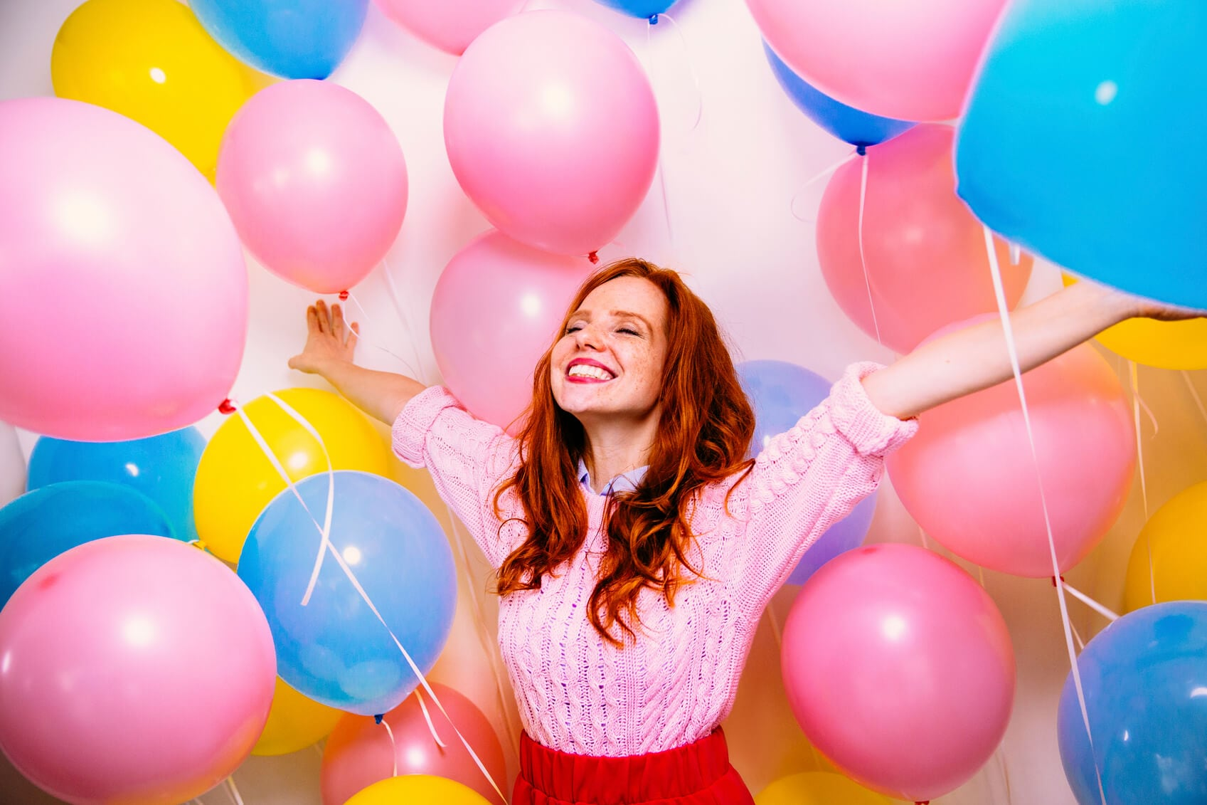 red hair day balloons