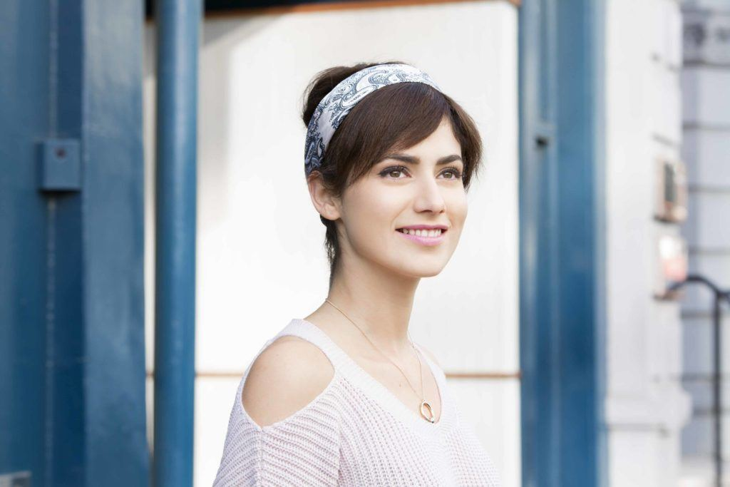 Party Hairstyles For Oval Face Shapes Flirty Looks For The Holidays