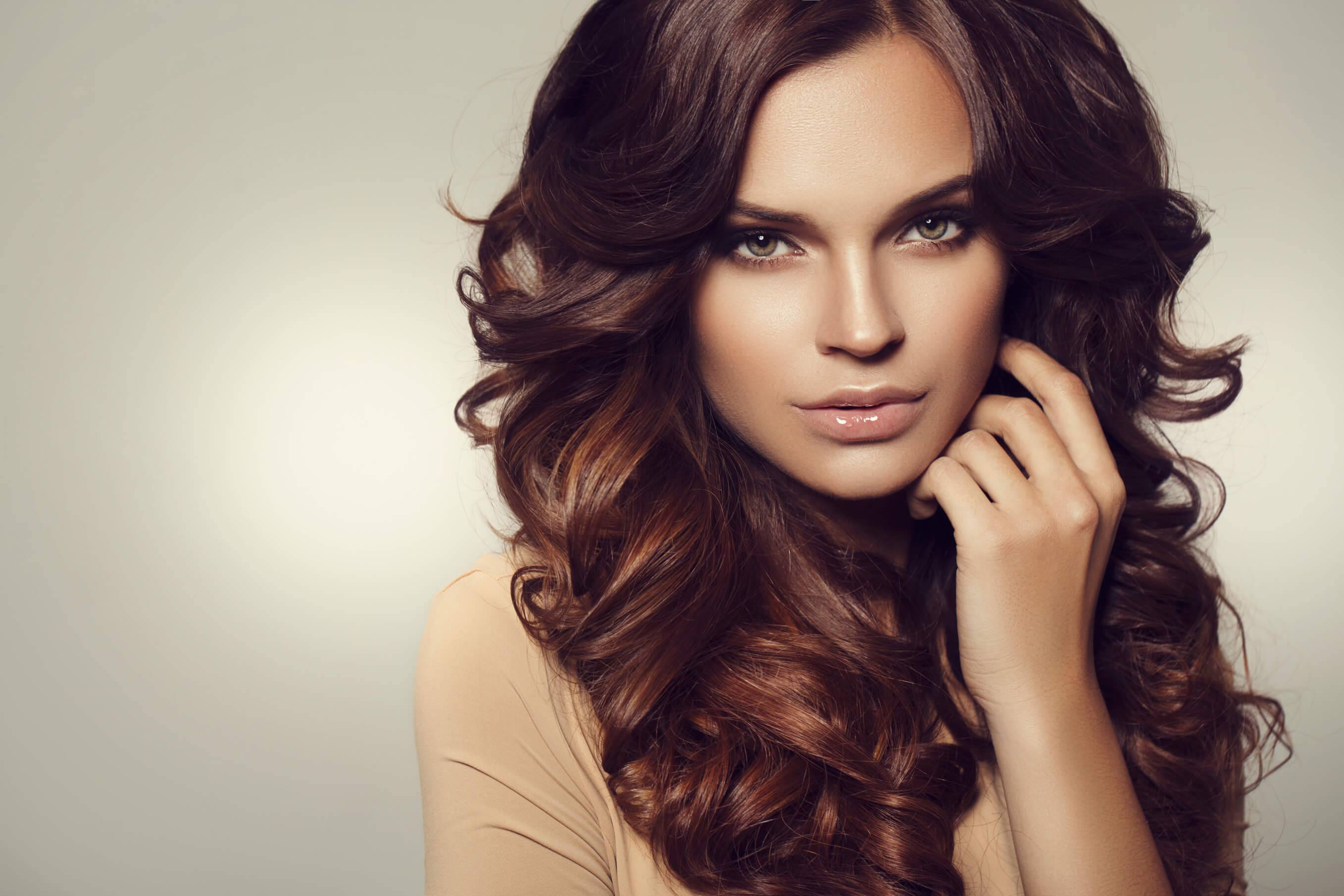 Chestnut Brown Hair Why We Love This Hue For The Holidays