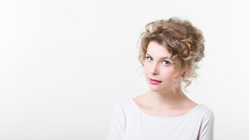 Curly Hairstyles For Thin Hair 4 Easy Chic Looks To Try