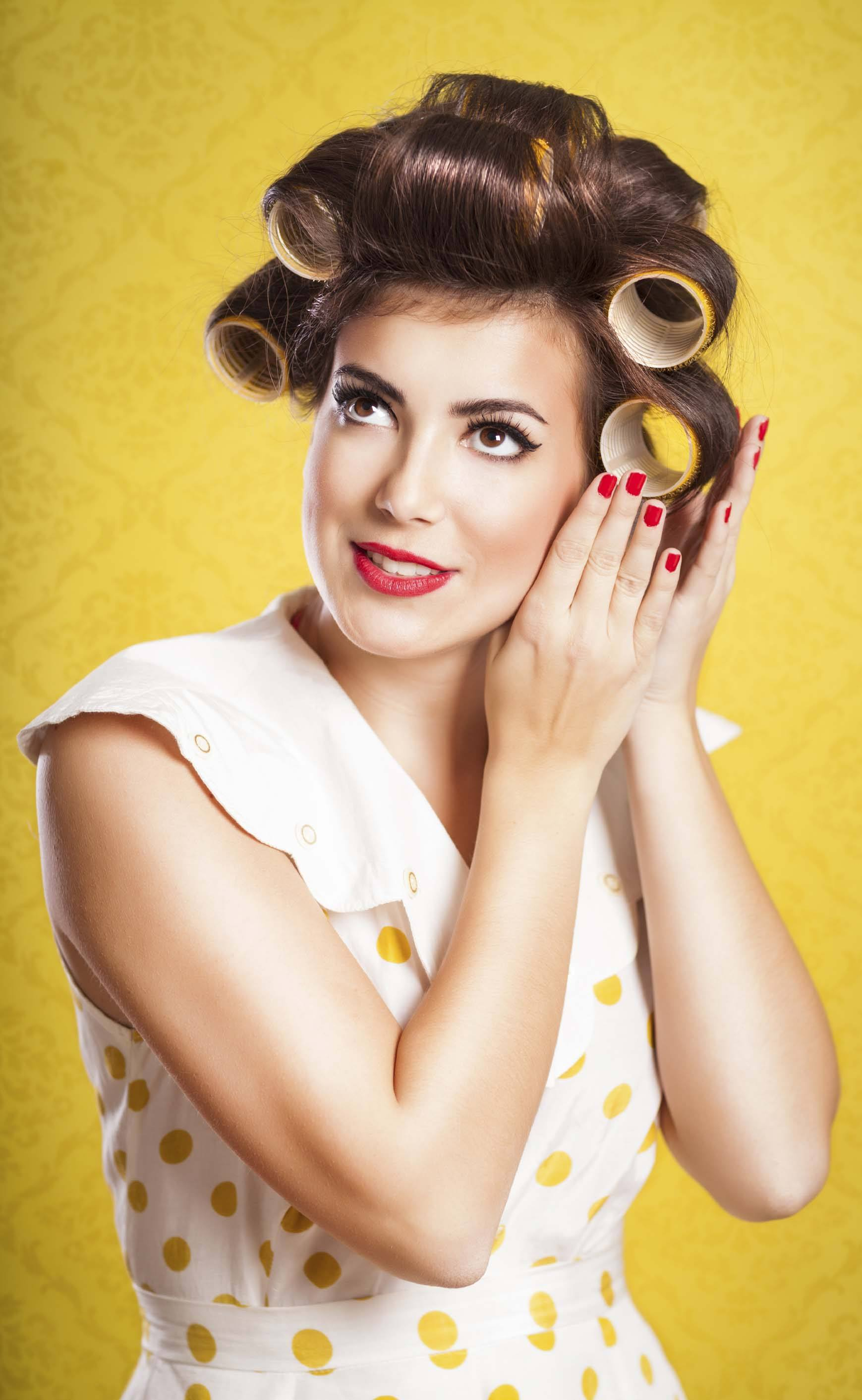How To Use Hair Curlers Sexy Holiday Ready Volume In One Go