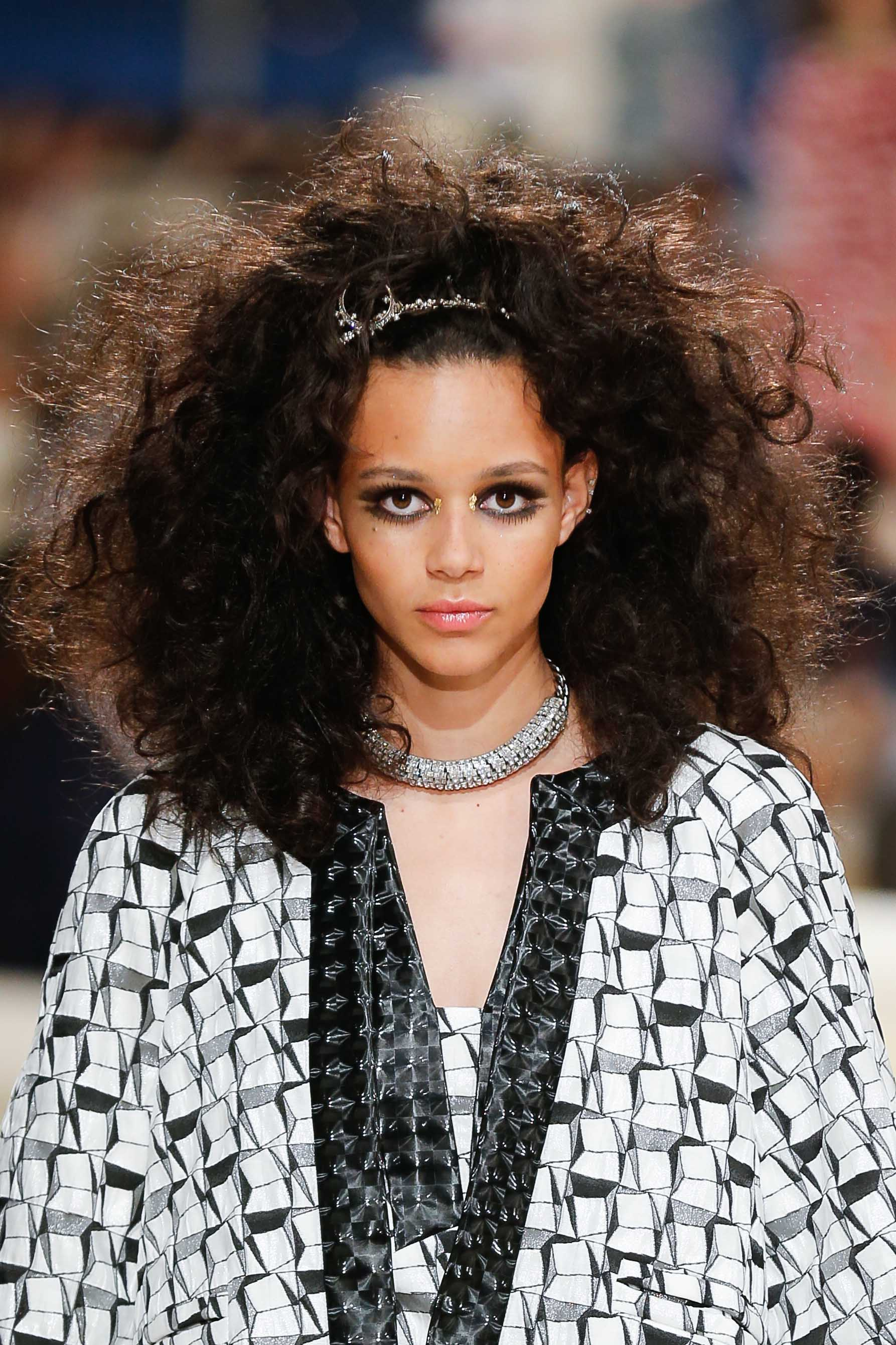 Naturally Curly Hair Ideas: 7 Easy Styles for Every Curl Type