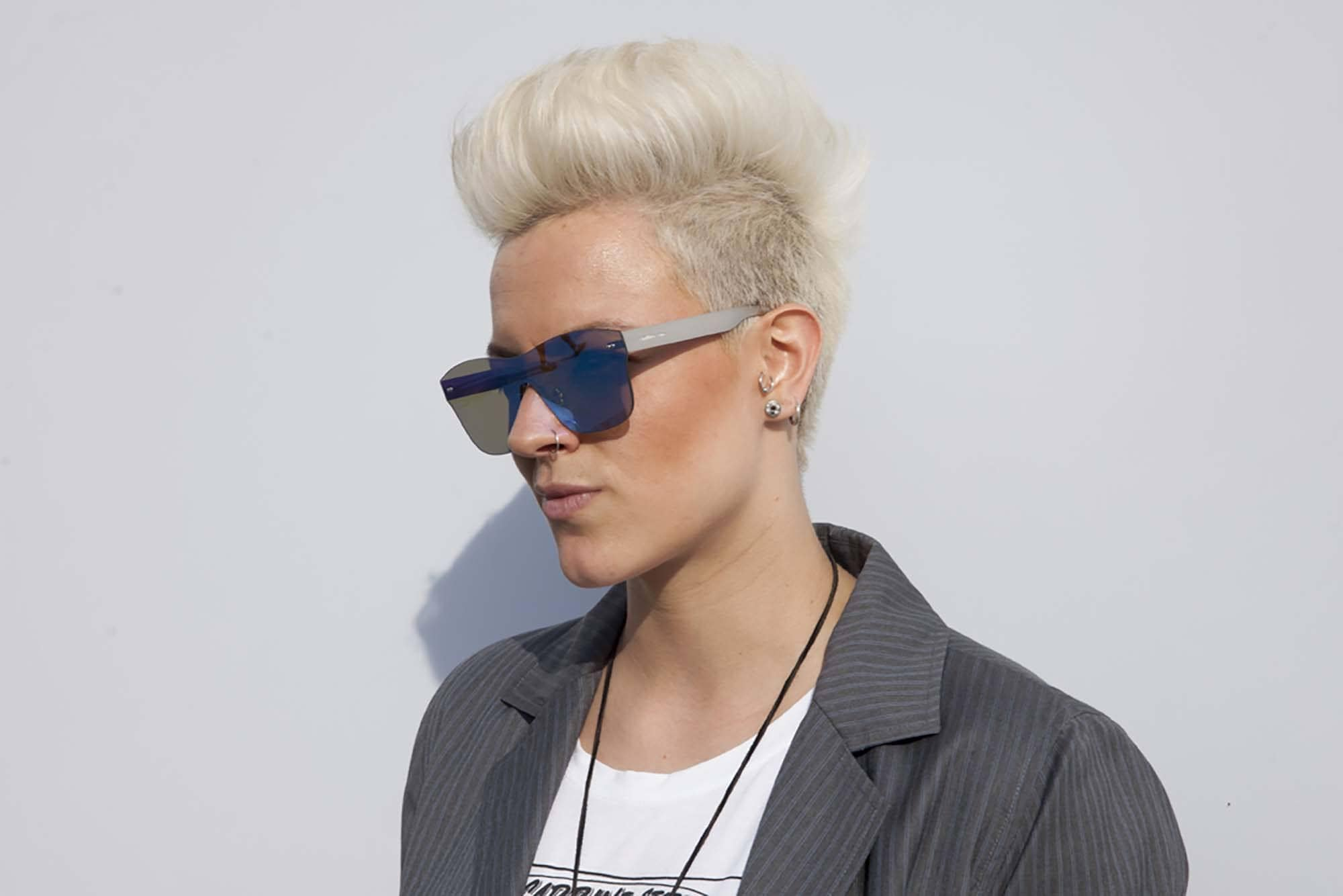 short edgy haircuts like a bleached undercut