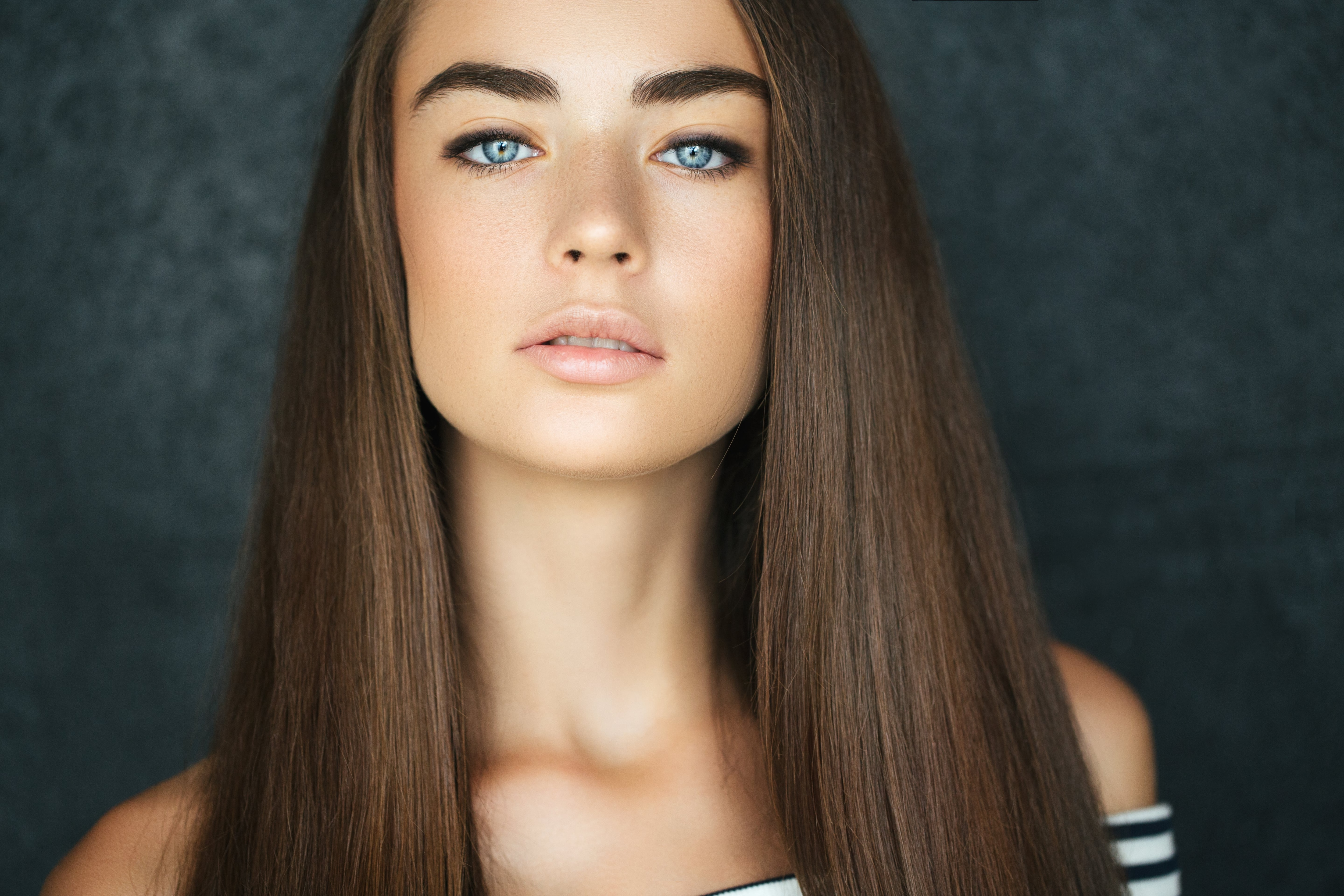 keratin hair treatment do's and don'ts brunette woman with straight hair