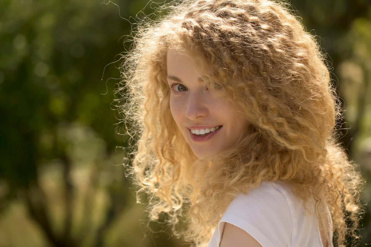 style curly hair to create volume