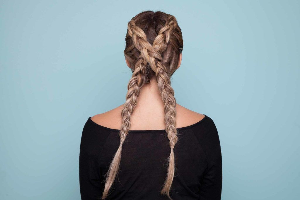 How to wear ashy colored braids