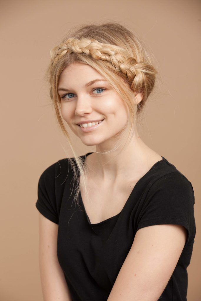 How to wear blonde colored braids