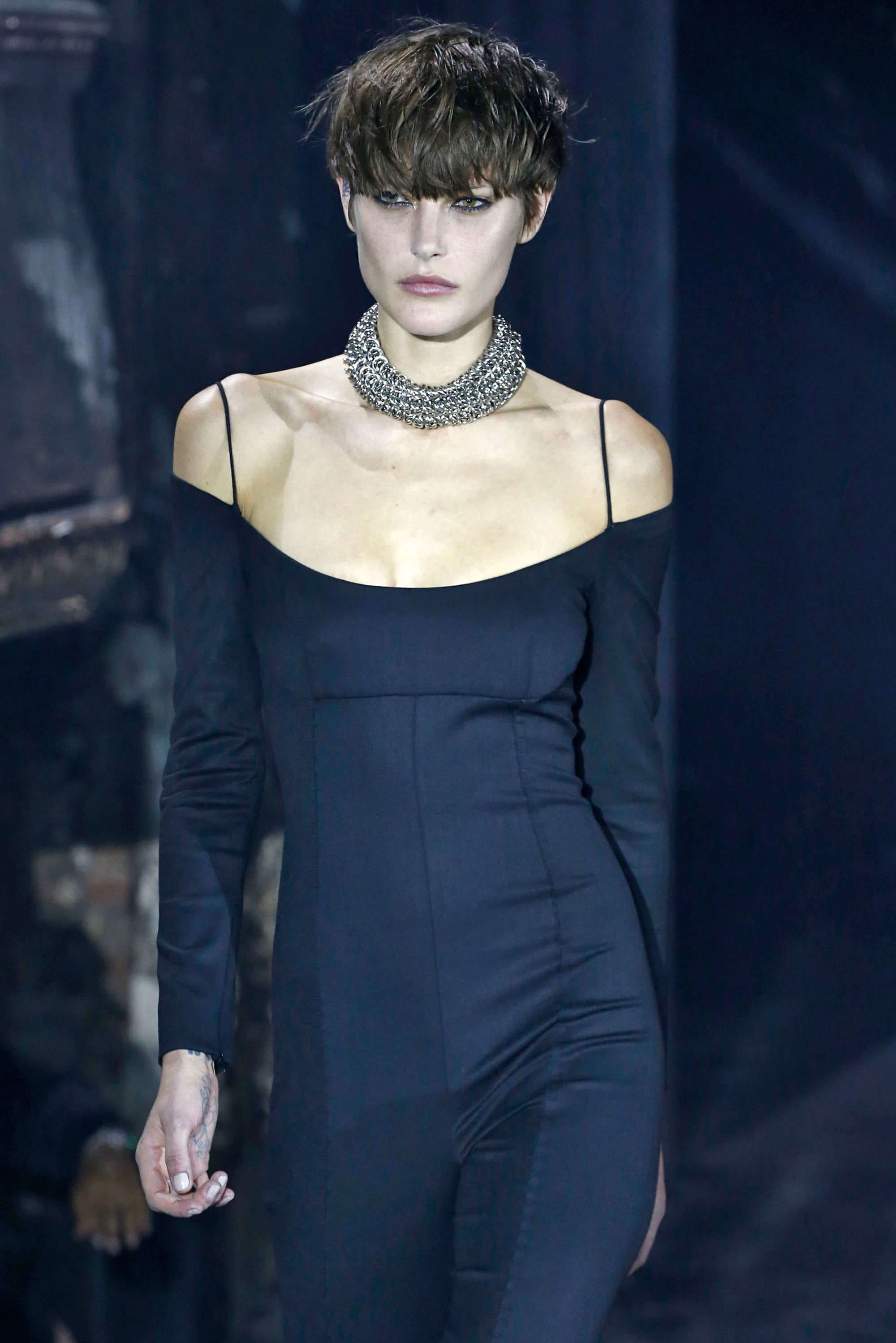 Nyfw model short hair trends were digging from the runway model short hair black pixie urmus Choice Image