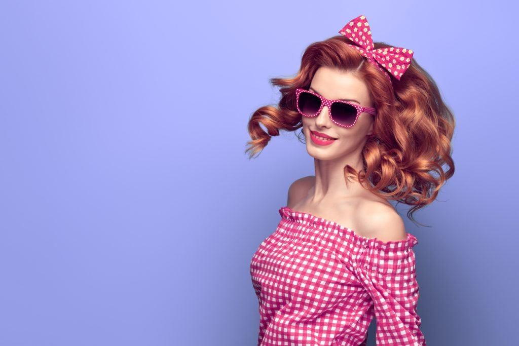 pin-up styles for long hair: voluminous curls