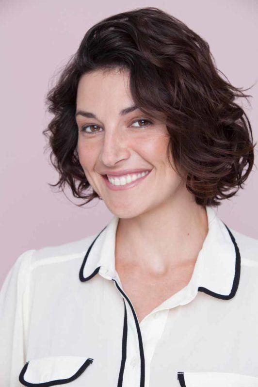 How To Make Short Hair Wavy Hair Tutorial And Hair Tips