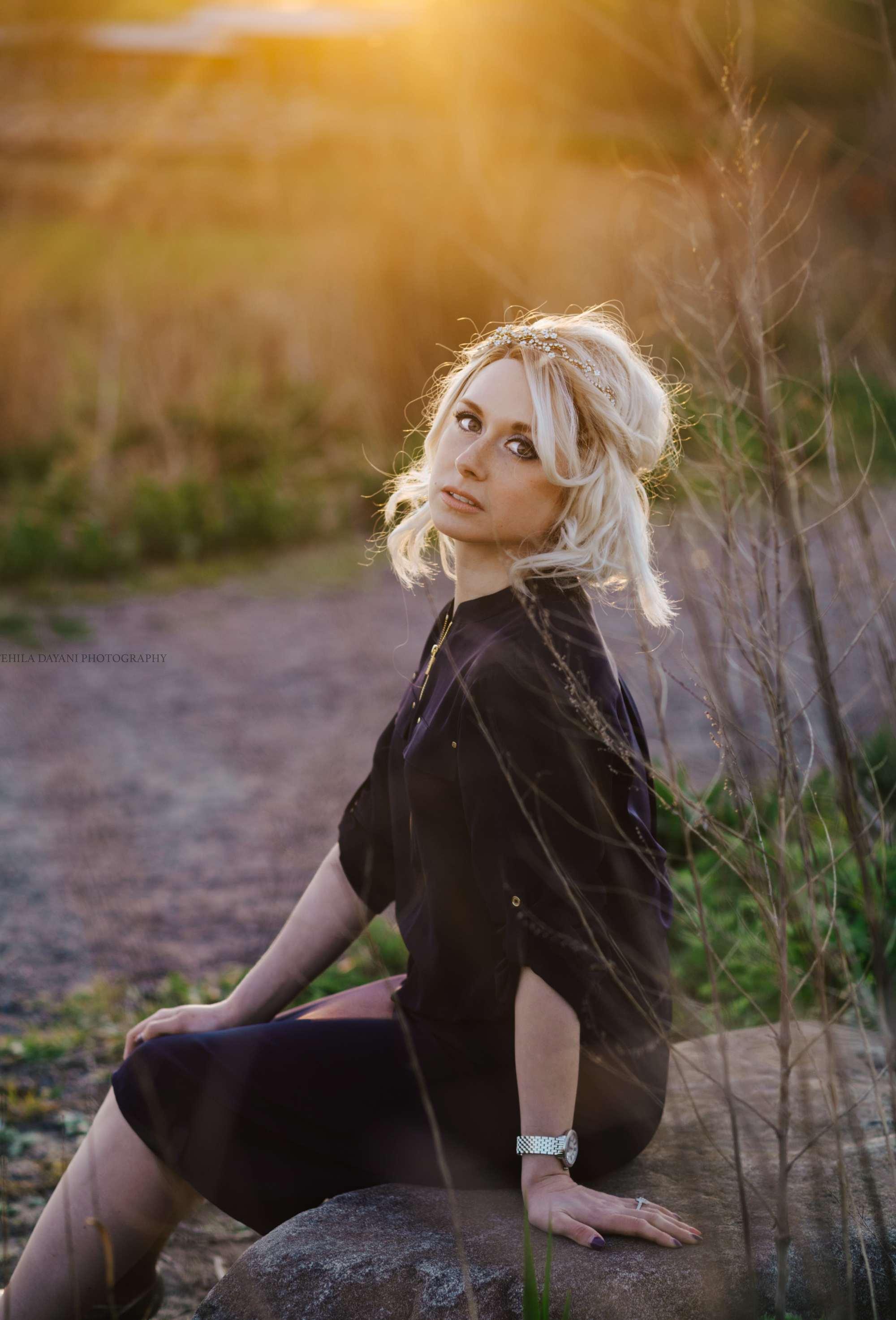 Michelle Mozes with blonde wig hair