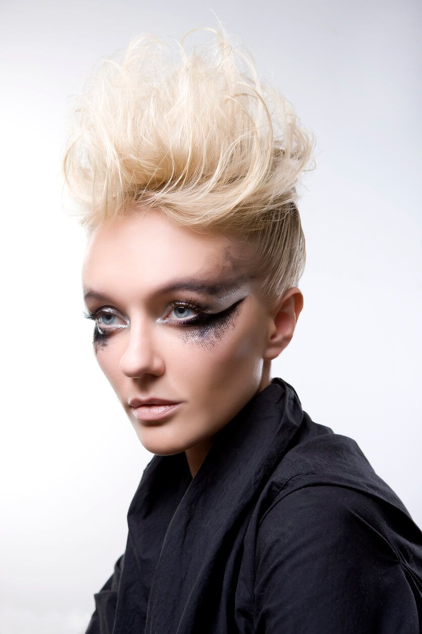 8 Fashionable Mohawk Hairstyles for Women: From Haute to ... - photo#6