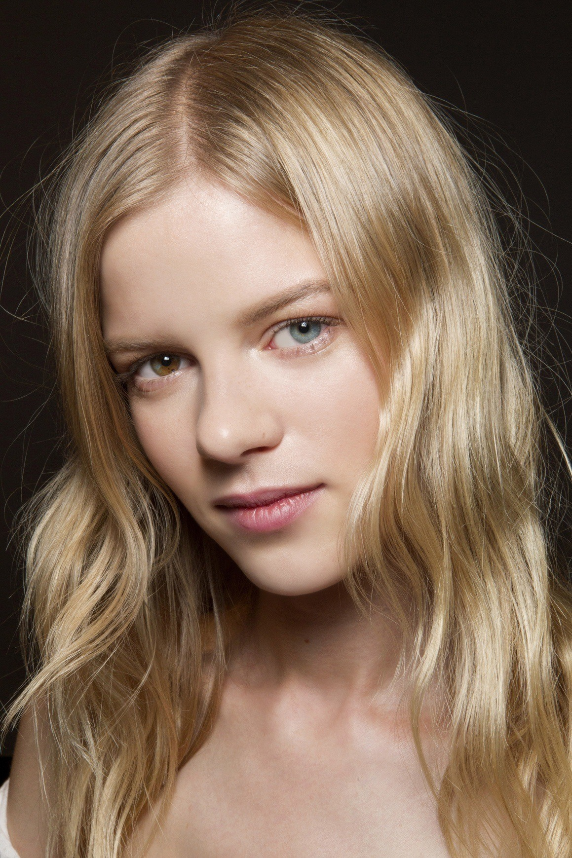 french girl waves are new hairstyles for spring we love