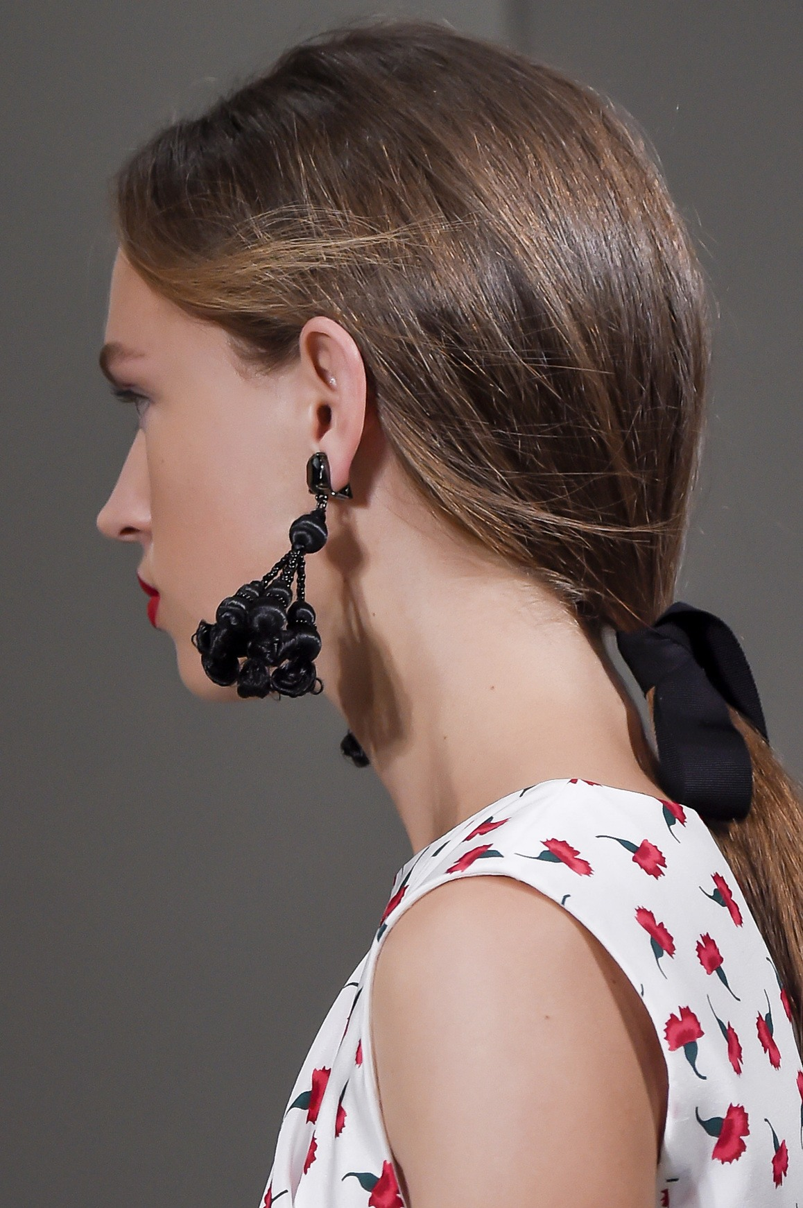 ribbon hair accessory trend on your hair