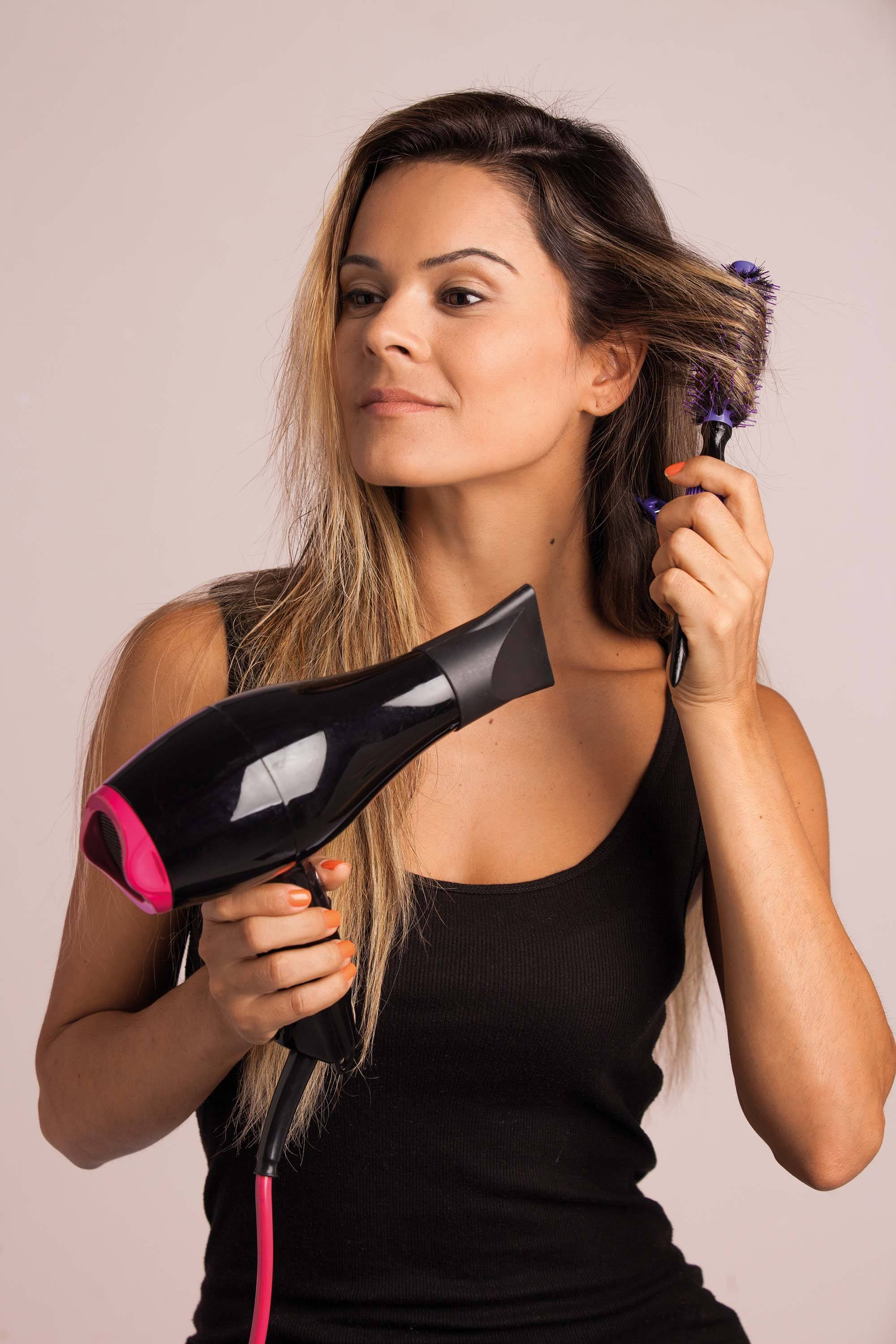 how to achieve a salon blowout at home