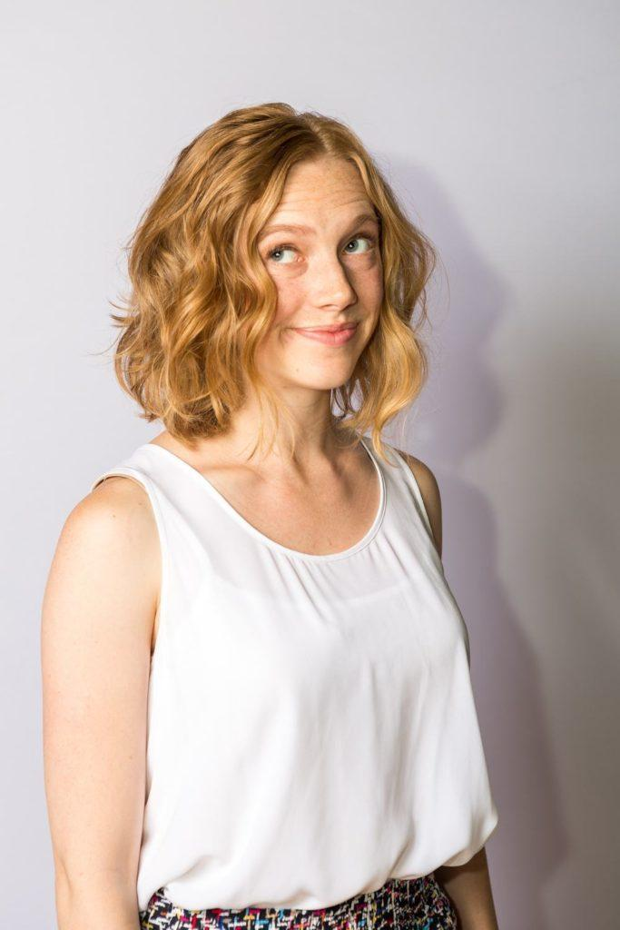 Short Wavy Hairstyles 10 Sweet And Edgy Ideas To Check Out