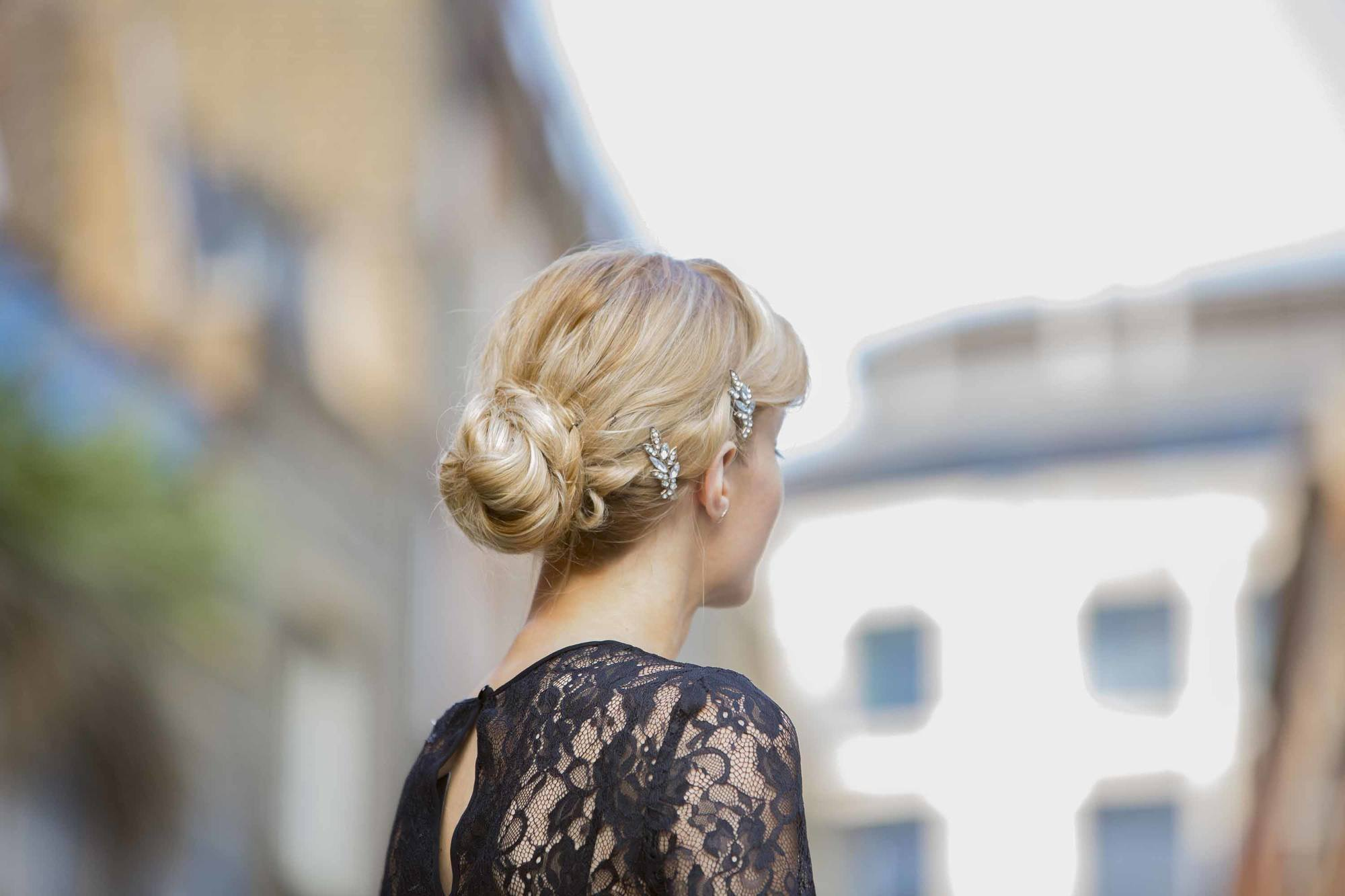 Simple updo ideas you can wear to prom. Vintage bun.