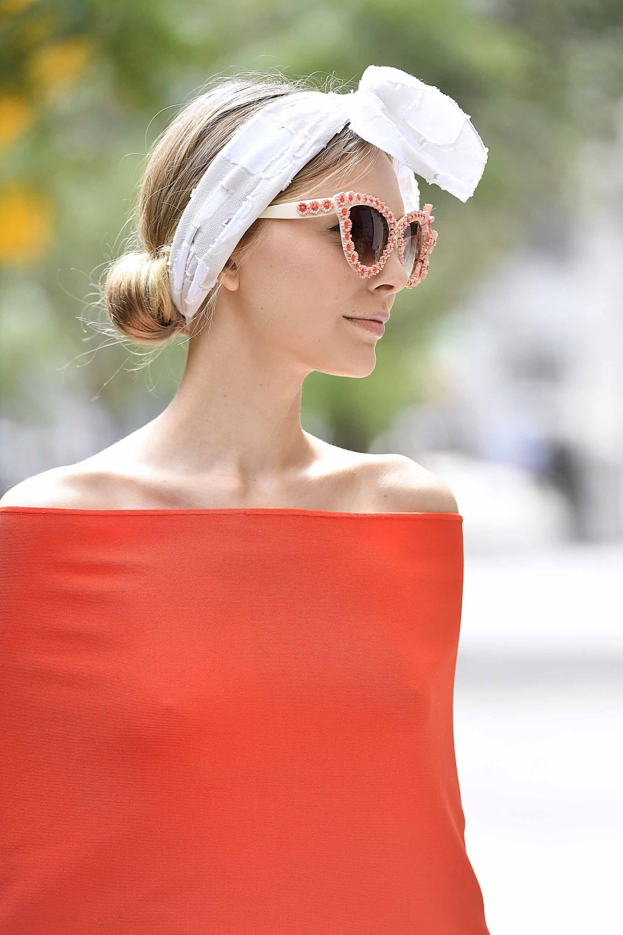 cute spring break hair looks: low chignon and headband.