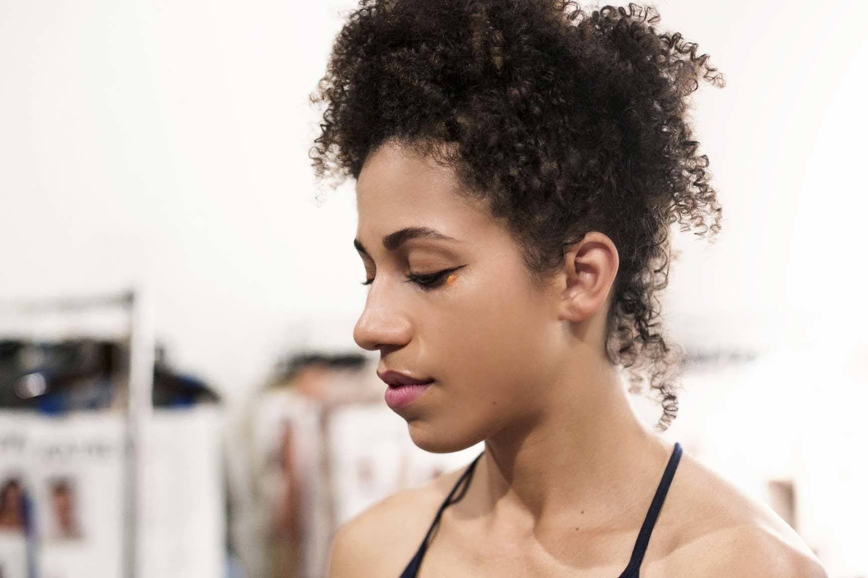 Hair Style Curly: Styling Oil: 17 Hairstyles You Can Create With This Must