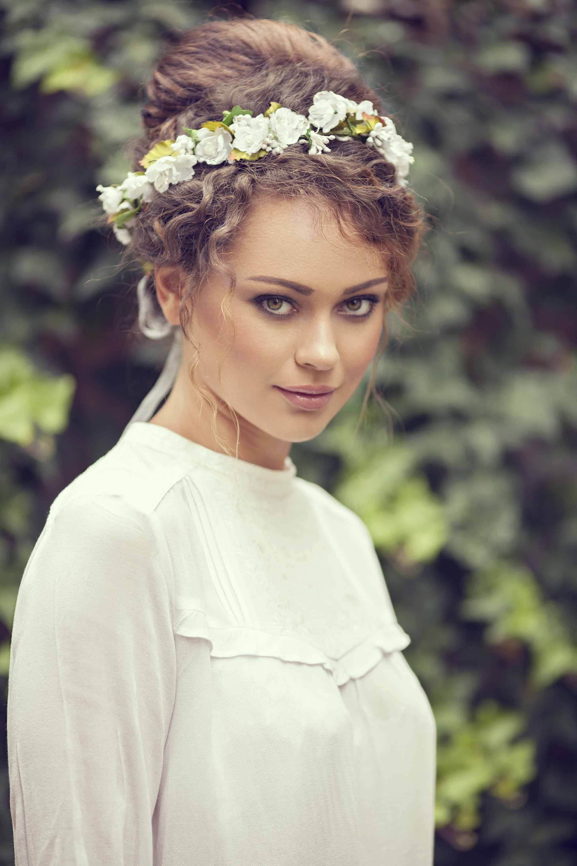 wedding updos for curly hair: 9 gorgeous looks to try