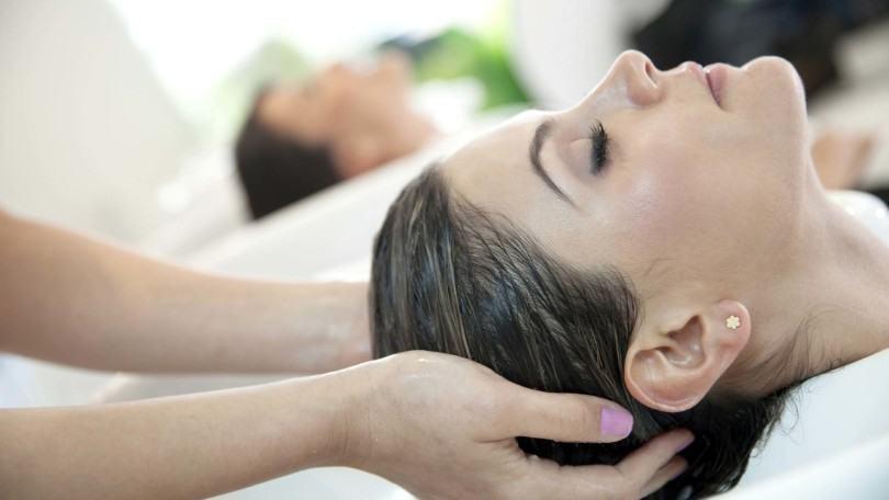moisturizing shampoo on fine hair