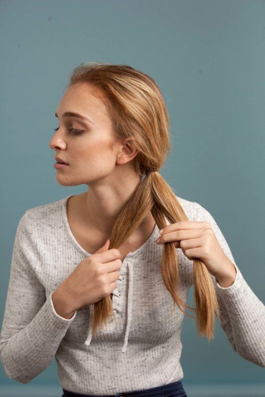 how to make an inverted fishtail braid: divide pony