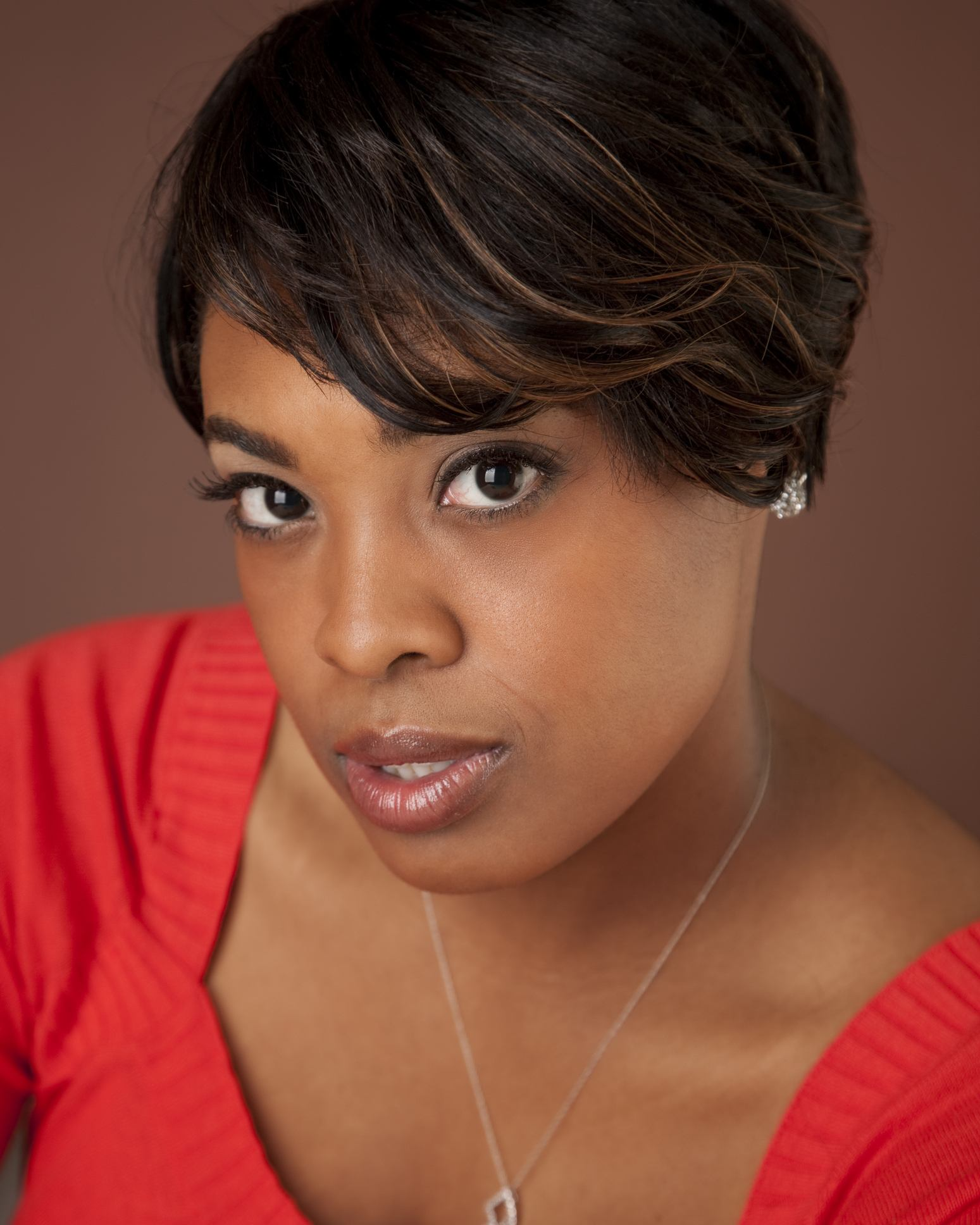 highlighted short weave hairstyles