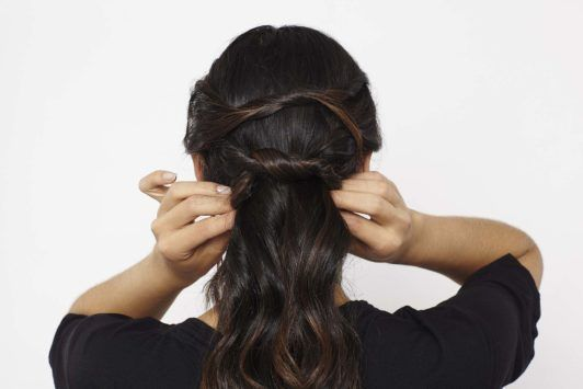 knotted ponytail tuck hair